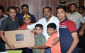 Dipawali Gift Distribution – At – Realtech